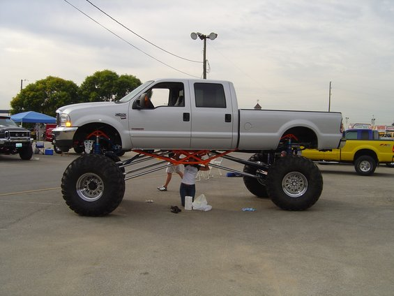 Lifted Ford Truck Picture #5