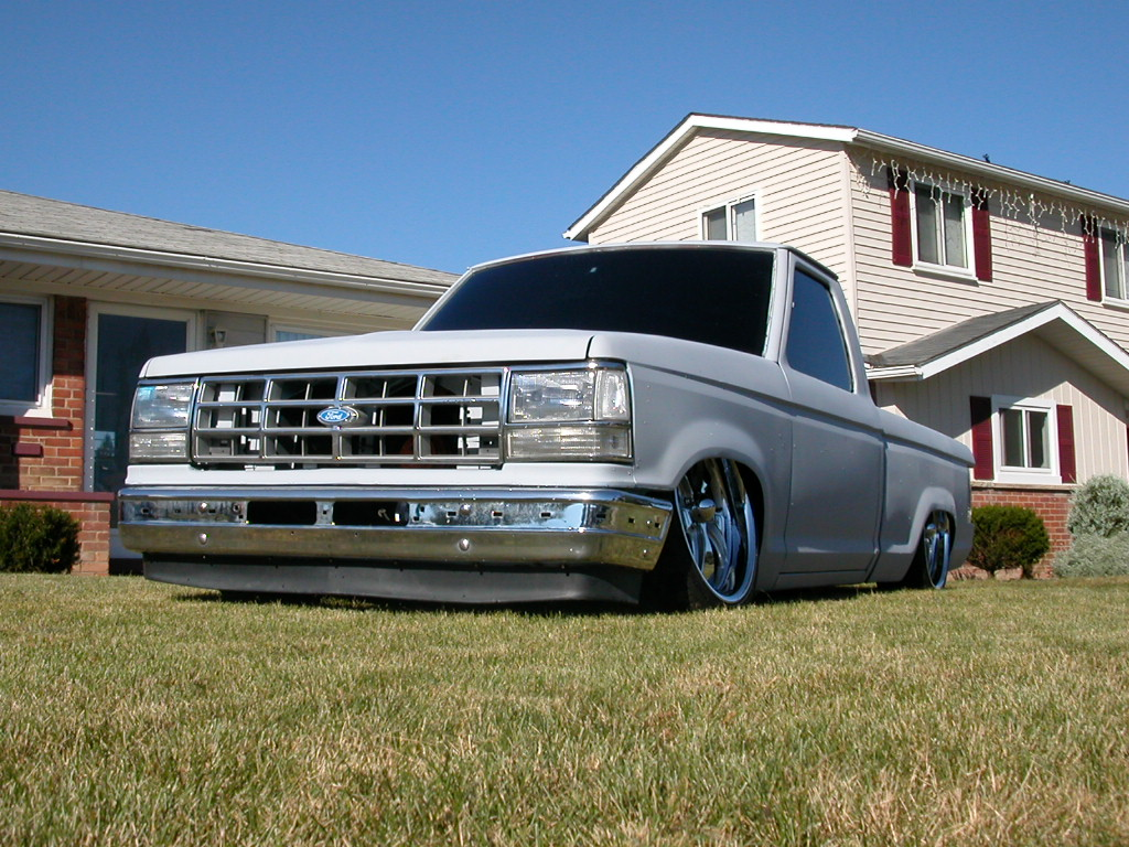 Lowered Ford Truck Picture #1