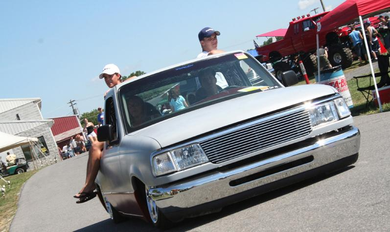 Lowered Ford Truck Picture #11